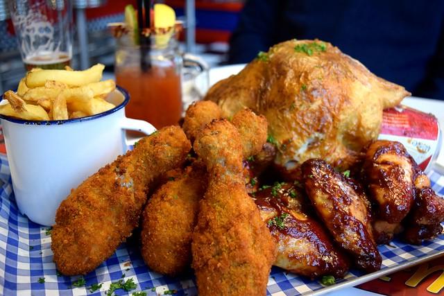 Chicken to share at Elsie Mo's Diner, Canterbury | www.rachelphipps.com @rachelphipps