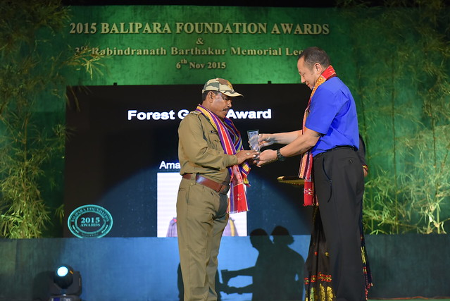 Amar Sing Deka receiving the 2015 Forest Guards Award from Mr. Sonam Wangchuk