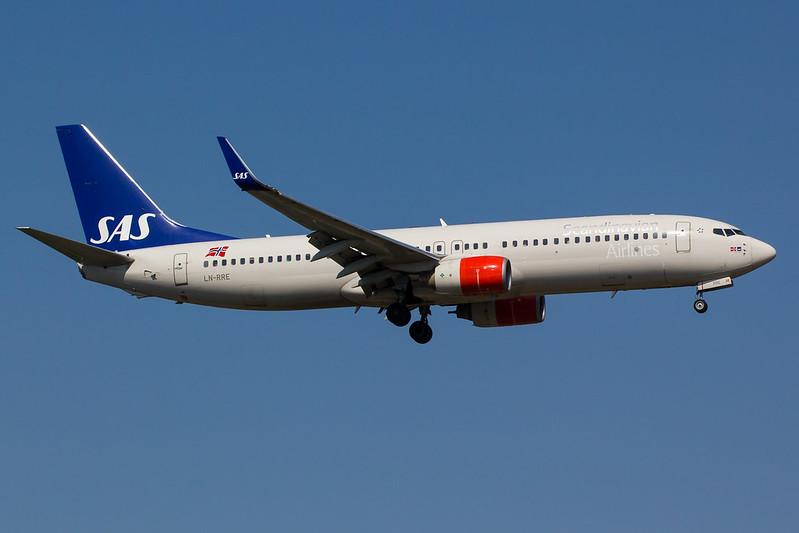 SAS - B738 - LN-RRE (1)