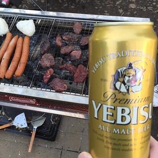 昼から青空の下で呑んで食べて楽しかったな〜 さてこれから渋谷へ! 盟友no TOKYOちゃんのツアーファイナルイベントです。Bomb Factory、ラッパ我リヤ、DJ COYASS、そしてCult of Personalityとヤバいメンツで超楽しみ。
