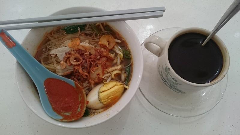 Lim Yap Cheong Hokkien Mee prawn noodles MYR3.50, kopi - Tanjung Bungah Market, Penang