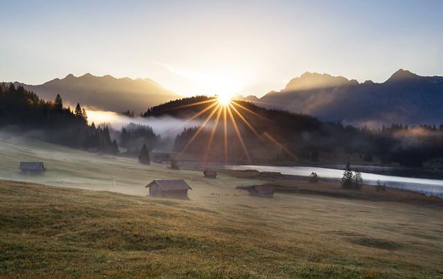 sun repressed the mist