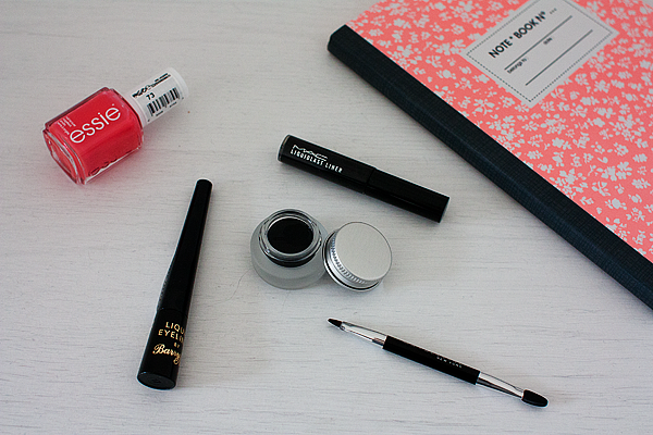 black-eyeliner-review-2