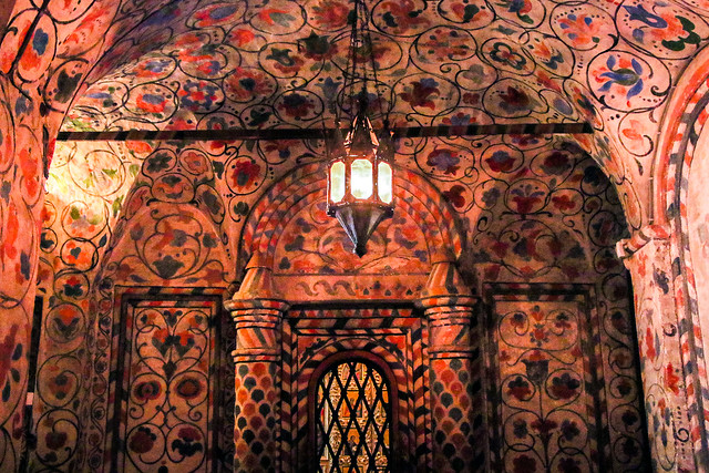 Interior decoration of Saint Basil's Cathedral, Moscow, Russia モスクワ、聖ワシリー寺院の内装