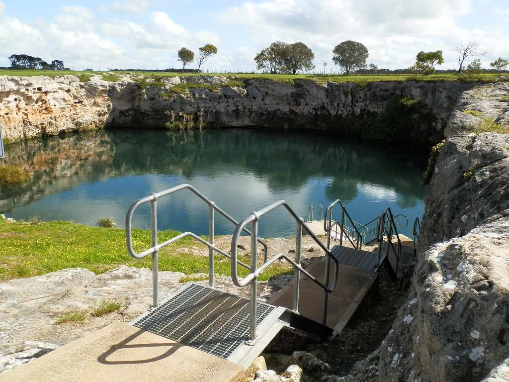 Little Blue Lake Swimming Platform, Limestone Coast near Port MacDonnell