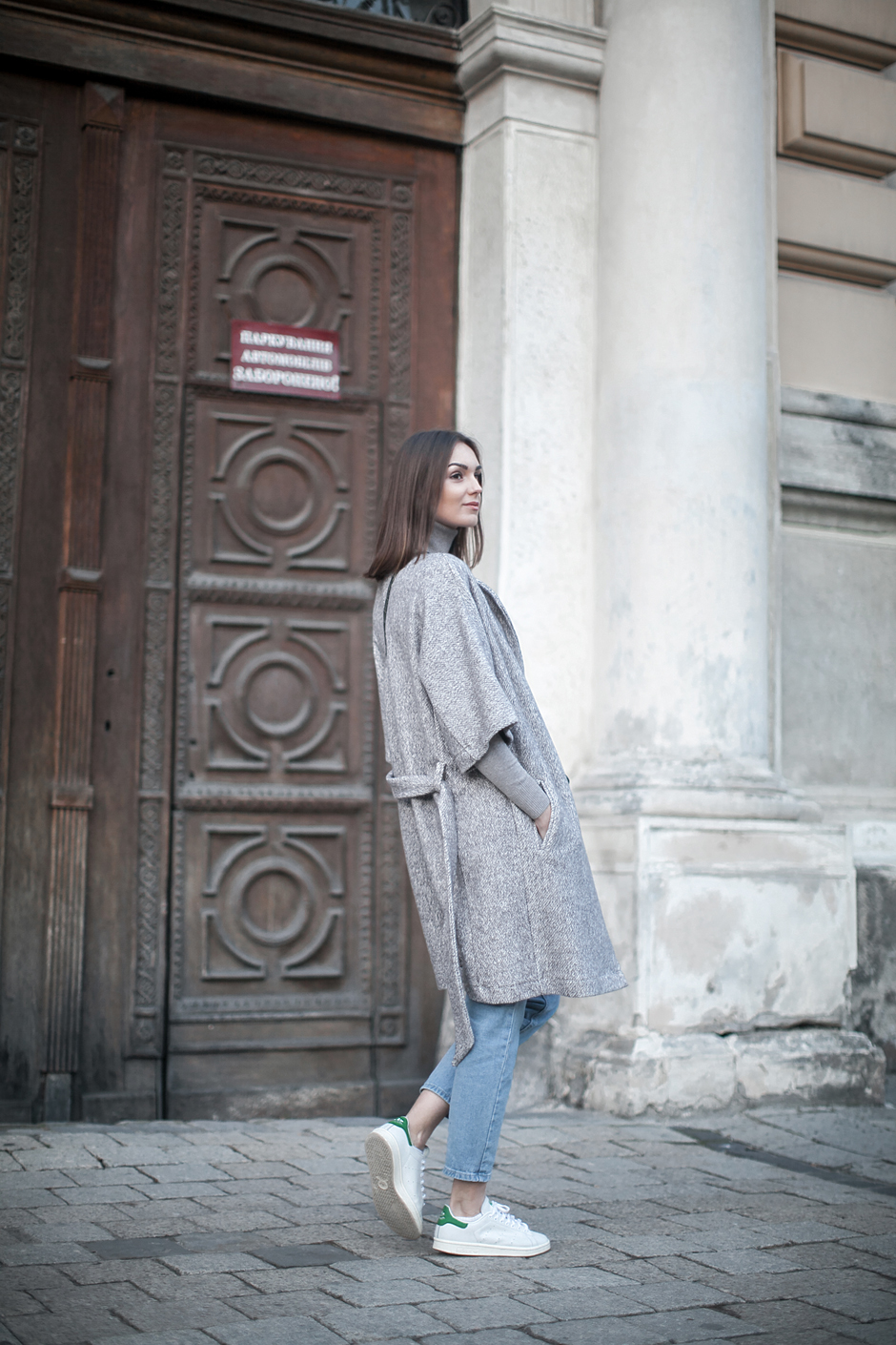 gray-robe-coat-outfit