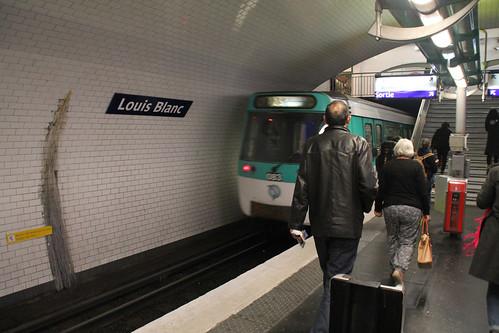 20151004_5932 Metro Louis Blanc Station