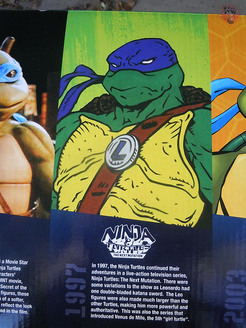 "Nickelodeon ""HISTORY OF TEENAGE MUTANT NINJA TURTLES"" FEATURING LEONARDO - 'NINJA TURTLES: THE NEXT MUTATION' LEONARDO i (( 2015 ))"