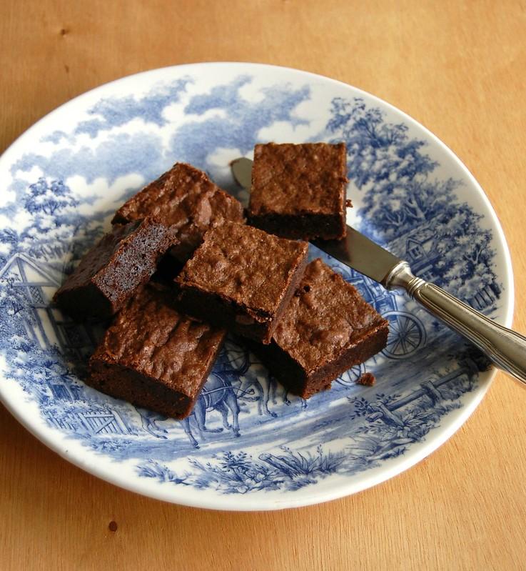 Cinnamon Cointreau brownies / Brownies com canela e Cointreau