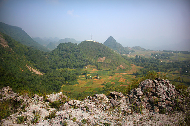 On the way from Ha Noi to Moc Chau
