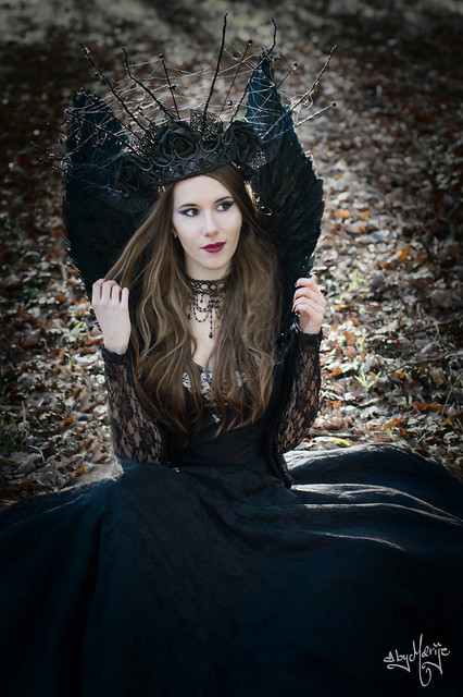 The Raven Queen IV /  Photographer - byMarije