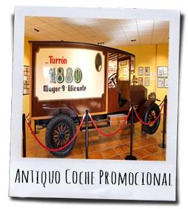 De oude Rolls Roys die vroeger gebruikt werd als reclamewagen is het paradepaardje van het museum
