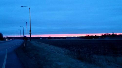 road morning winter sky cars field clouds sunrise finland dark landscape dawn countryside darkness horizon country border samsung edge phonephoto lowquality kouvola elimäki sakarip