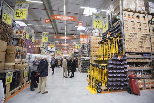 Bricomart abre su almac�n en Santander con casi 100 empleados y 12 millones invertidos