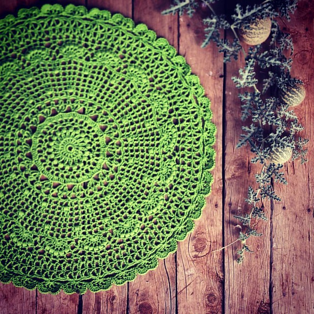 My crochet Xmas tablecloth is finished, just in time for gifting.... ♥ (I'll post the pattern, and yarn, details soon for those interested) xx