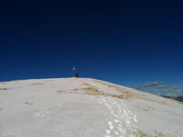 Die Wetterstation am Gipfel des Hochebenkofels ist in Sicht
