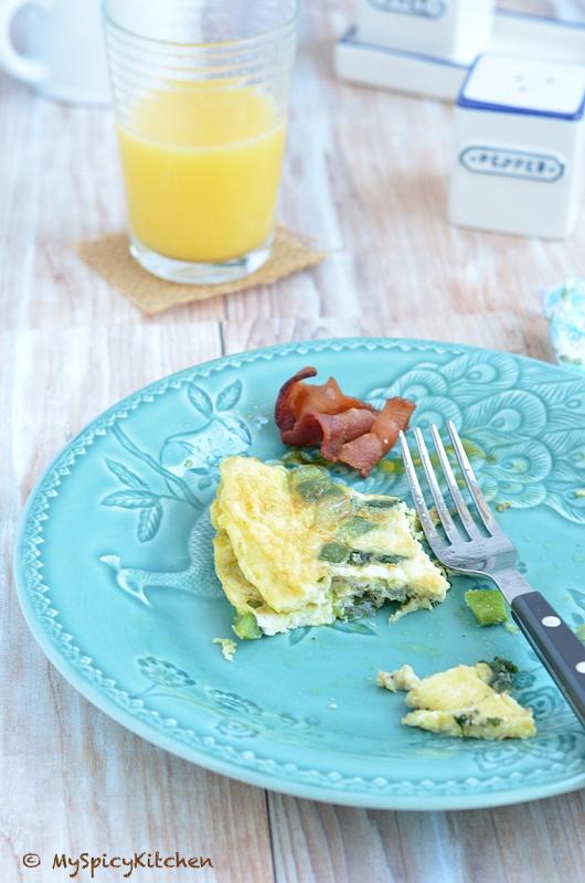 American Breakfast, Breakfast, Eggs, Sausage, Bacon, Buffet on Table