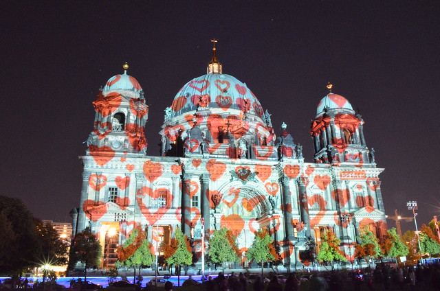 Berlin Festival of Lights 2015 Berliner Dom cathedral with hearts