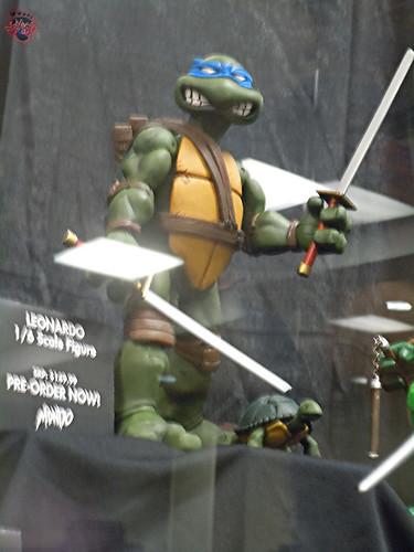 MondoCon 2015 :: Toy Display; TMNT 1/6 figures - LEONARDO