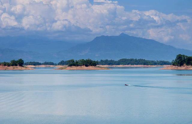 Nam Ngum, Laos