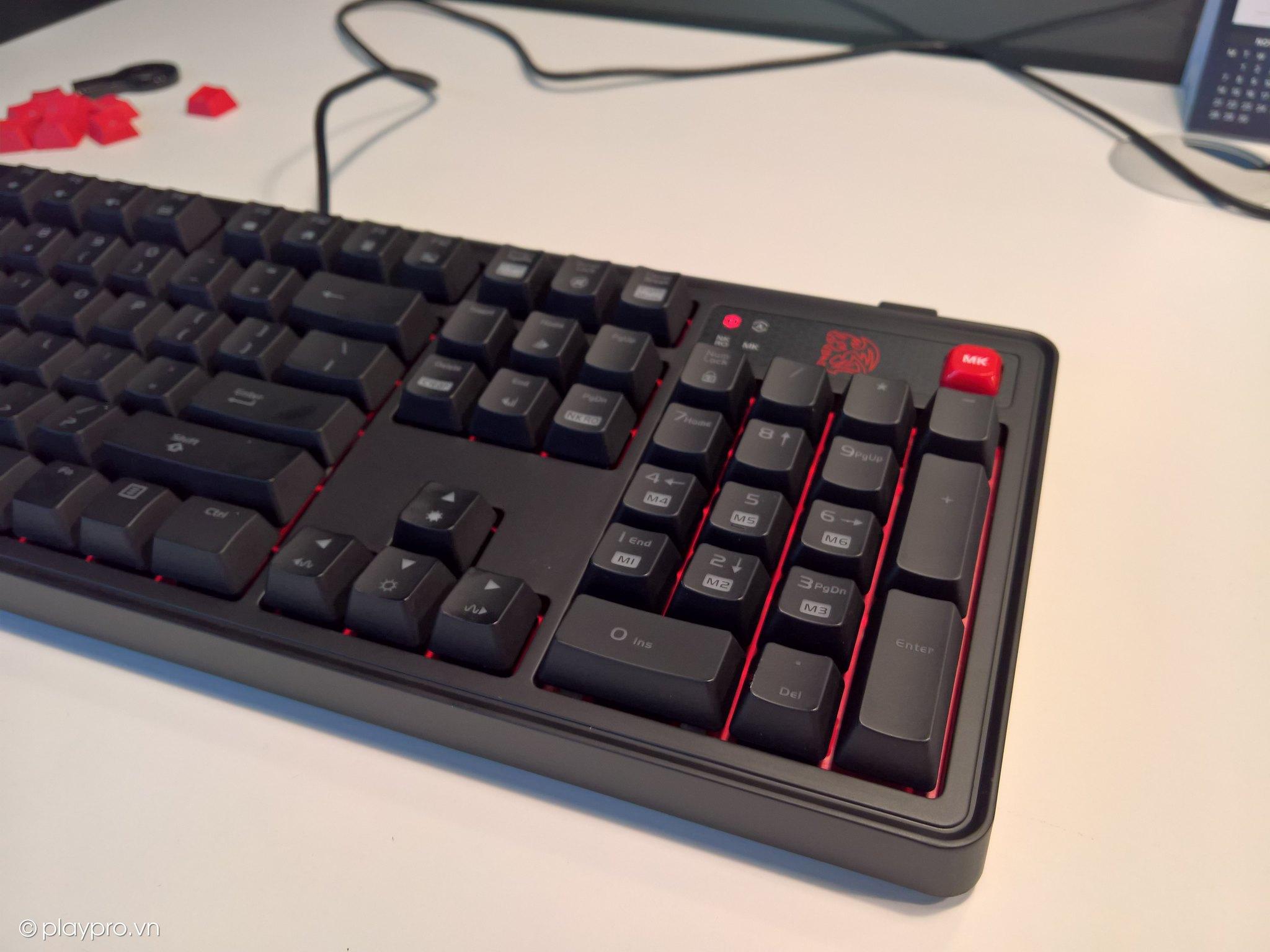 Trên tay chiếc phím cơ Tt Esports Meka Pro - Build tốt, Switch Cherry cực ngon
