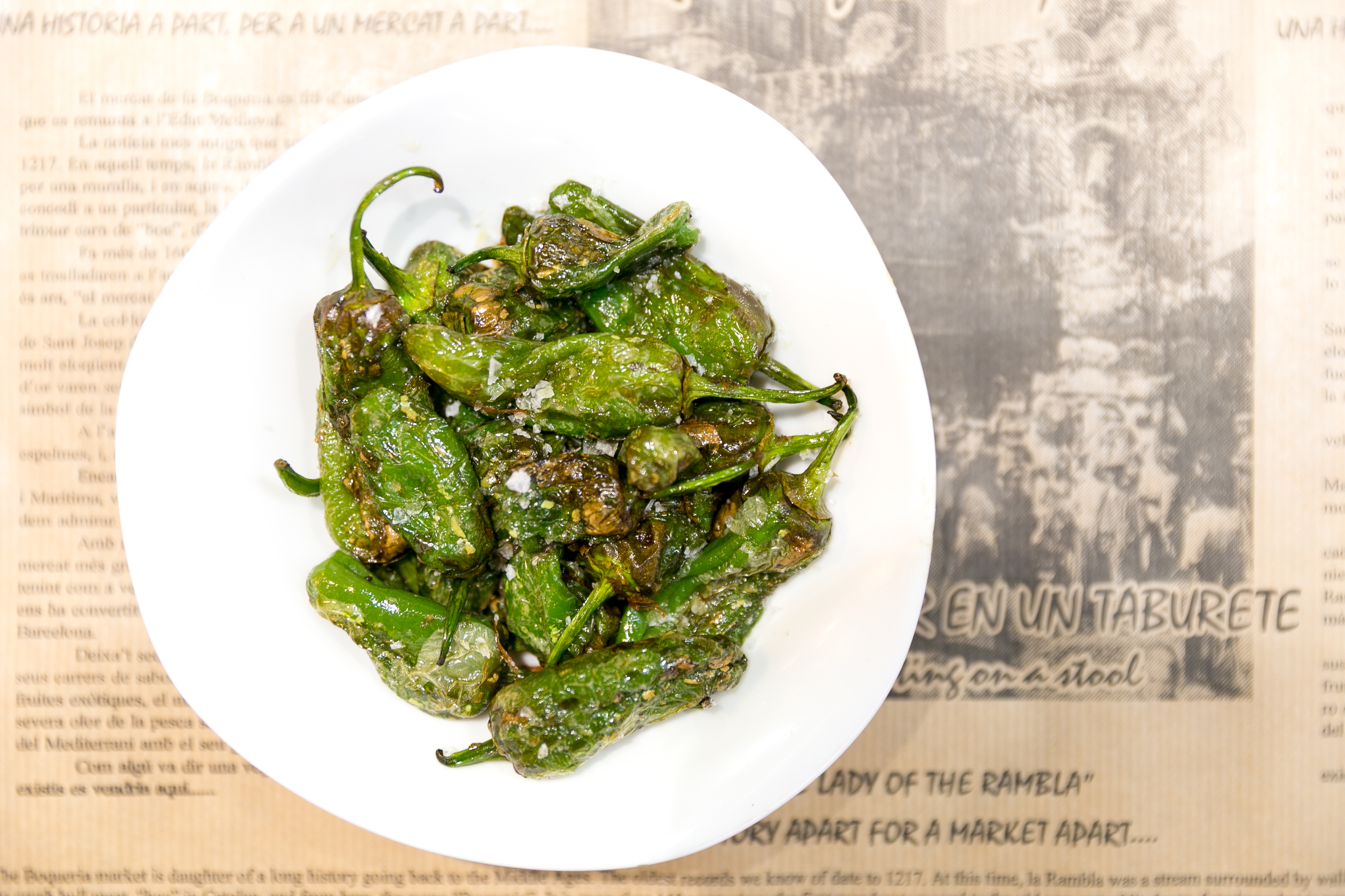 Padrón green peppers