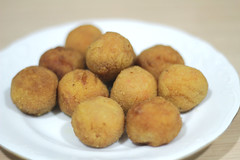 vegetable(0.0), arancini(0.0), laddu(0.0), produce(0.0), croquette(1.0), food(1.0), dish(1.0), cuisine(1.0),