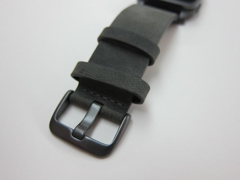 Pebble Time Steel Watch - Buckle