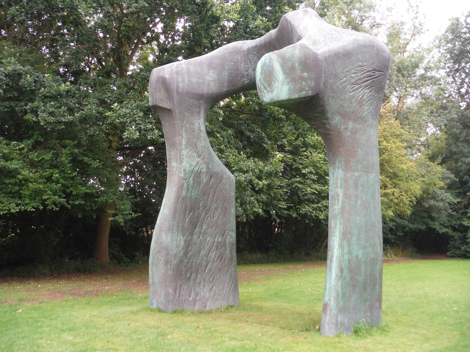 The Arch (1969), Sideview SWC Walk 164 Roydon to Sawbridgeworth via Henry Moore Foundation