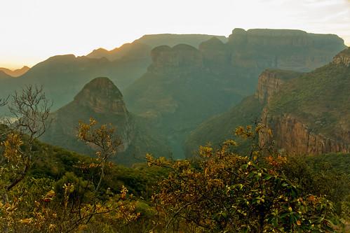 sunrise southafrica mpumalanga blyderivercanyon sabie drakensbergescarpment