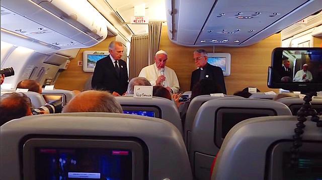 Papa en vuelo Cuba USA