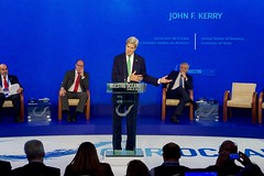 With Chilean Foreign Minister Alberto Nuñoz and Prince Albert II of Monaco looking on, U.S. Secretary of State John Kerry delivers remarks at the Our Ocean Conference 2015 High-Level Segment in Valparaíso, Chile, on October 5, 2015. [State Department photo/ Public Domain]
