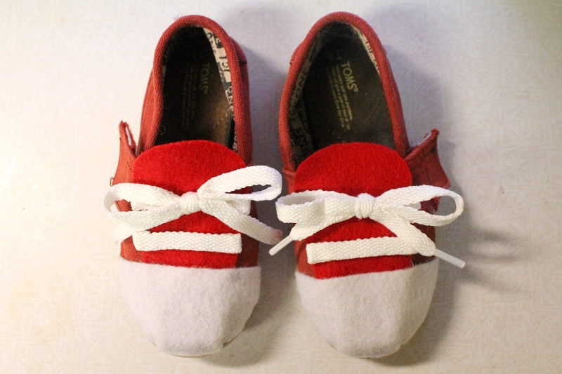 Daniel Tiger shoes, 4