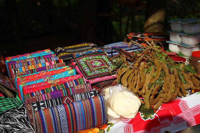 A souvenir shop near Dai Yem Waterfall