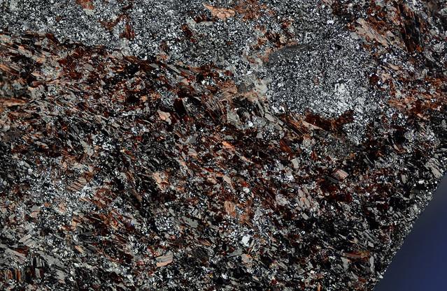 神津閃石 Mangano-ferri-eckermannite