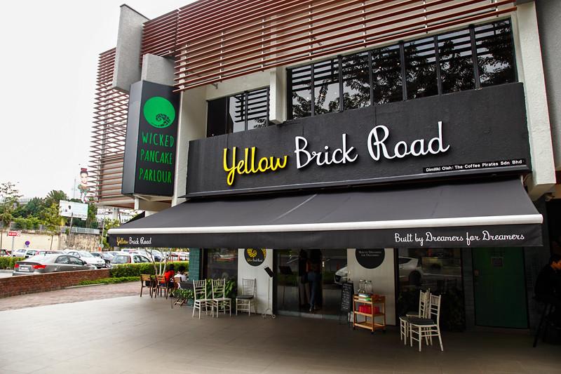Yellow Brick Road Cafe Jalan Batai