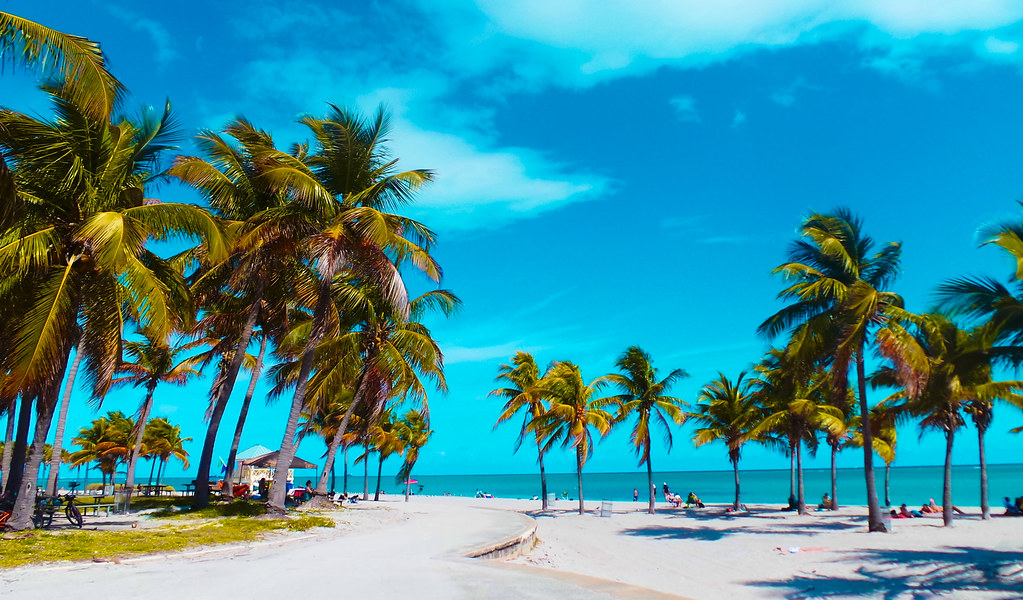 The Crandon Park Beach. ©®
