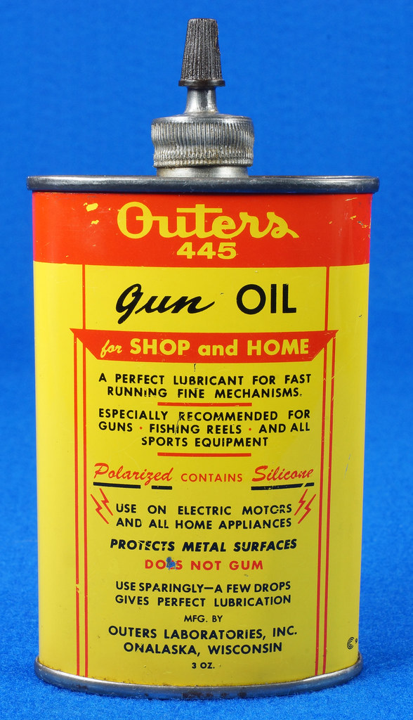 RD14571 Outers 445 Gun Oil Tin 3 oz Lead Top Yellow Oiler Collectible Vintage Oil Can DSC06869