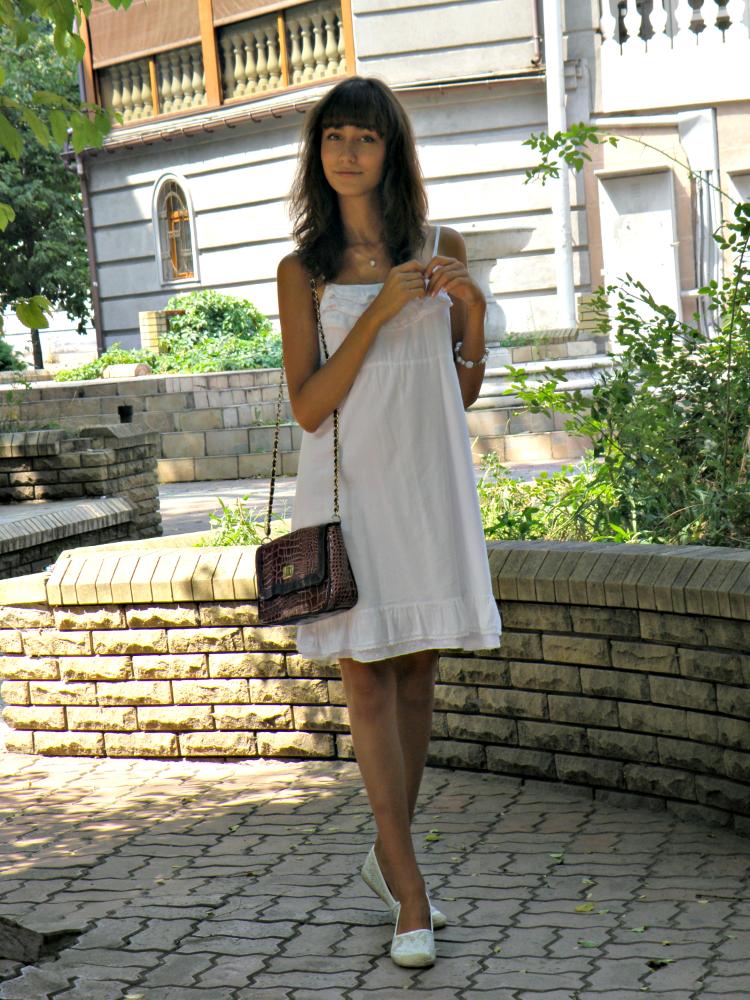 Lace_Dress_2