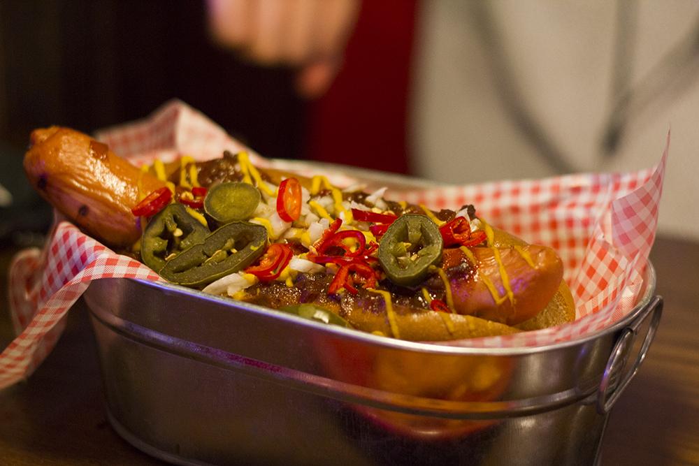 chilli-hotdog-tgi-fridays-new-menu