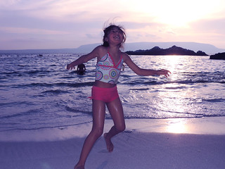 Image of Playa Bahía Inglesa Las Piscinas. chile sunset sea beach atardecer mar child joy happiness playa niña atacama felicidad alegría