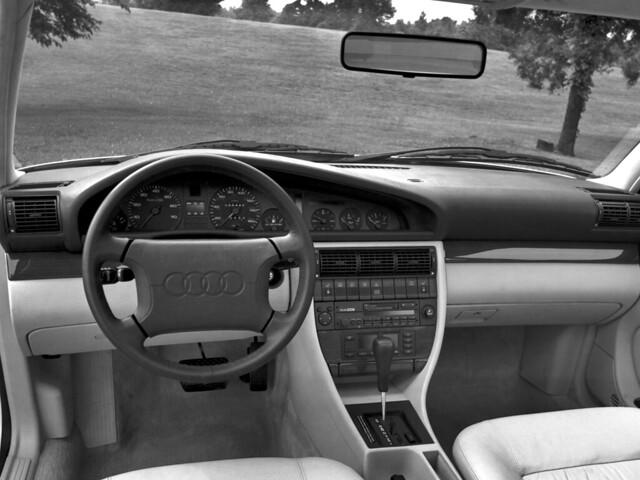 Салон Audi 100 C4 для рынка США. 1990 – 1994 годы