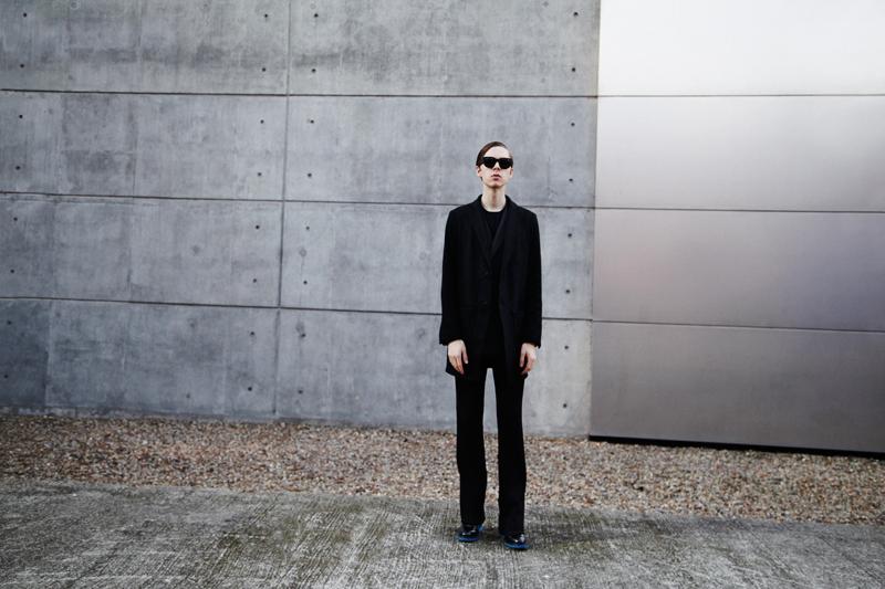 mikkoputtonen_fashionblogger_london_frenncompany_turo_guidomaggi_rafsimons_flared_acnestudios_frame_sunglasses1_web