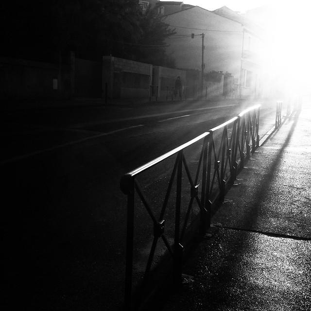 S'étirer le long des rues...