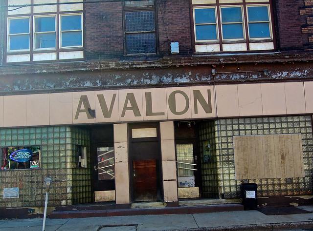 Avalon Bar, Mingo Junction, Canon POWERSHOT ELPH 300HS