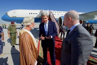 Secretary Kerry Chats With U.S. Ambassador Marc Sievers and Omani Foreign Minister bin Alawi Before Departing
