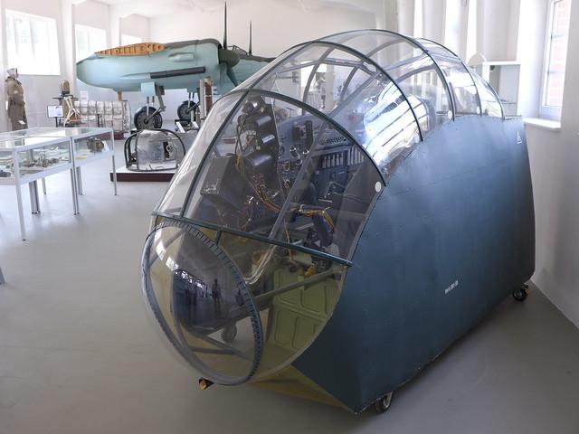 Cockpit einer Ju 388