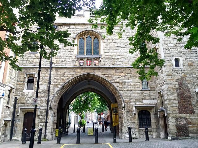 Clerkenwell: St John's Gate