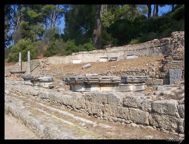 Grecia Olimpia Delfos - Restos fuente Nympheum