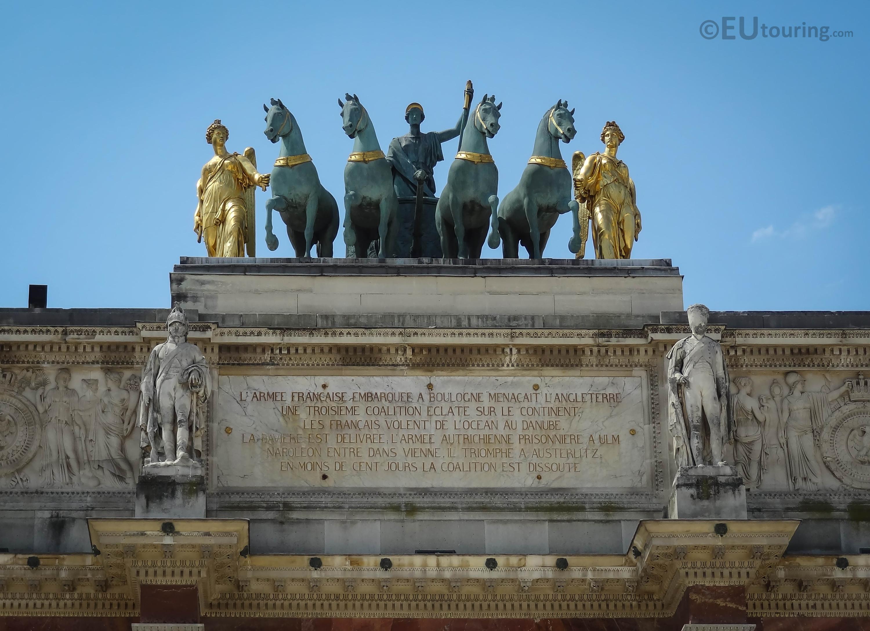 Statues on top of the Arc de Triomphe du Carrousel